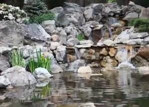 водопад от камъни