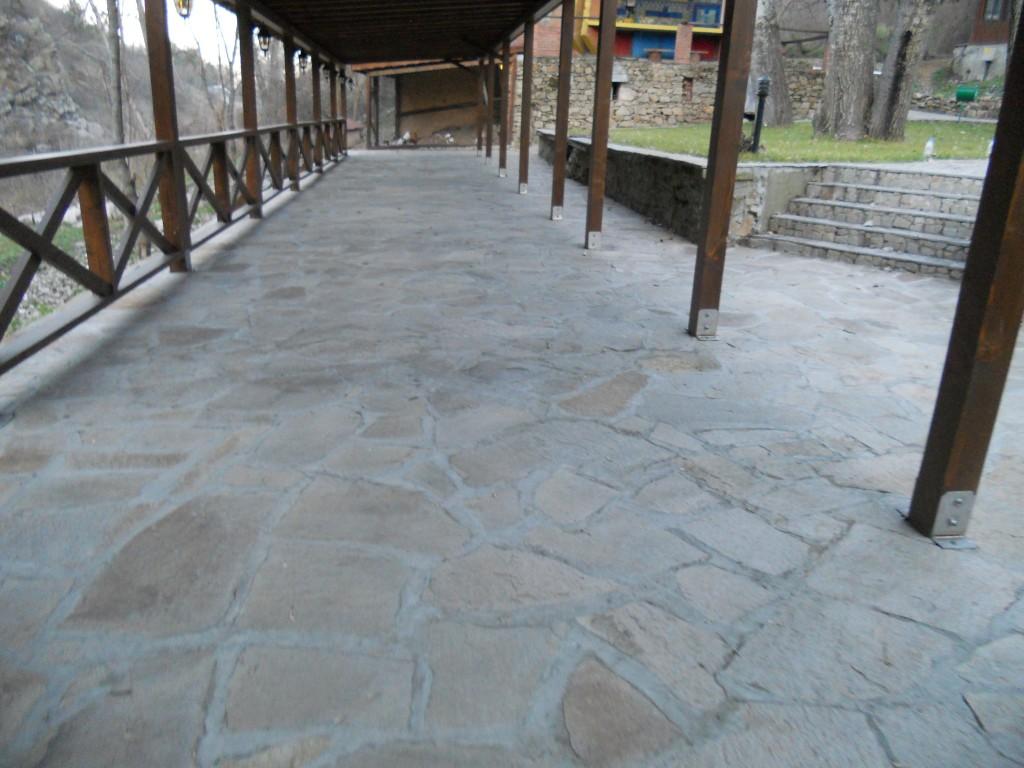 ивайловградски камък за пътеки