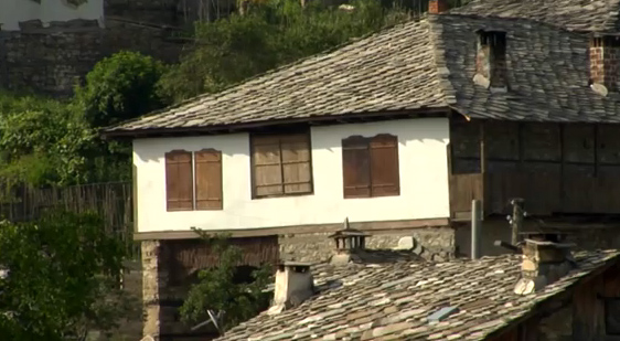 покрив с тикли от гнайс