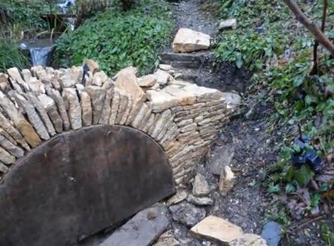 мост от естествен камък