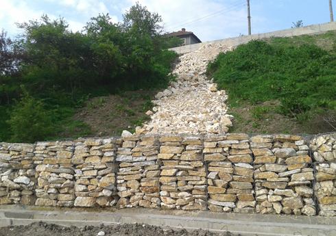 Зидария от натурални камъни