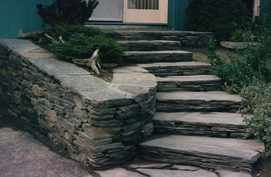 естествен камък за подпорна стена