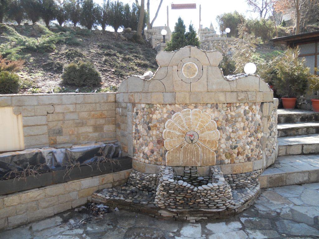 камък за облицоване на дворни чешми