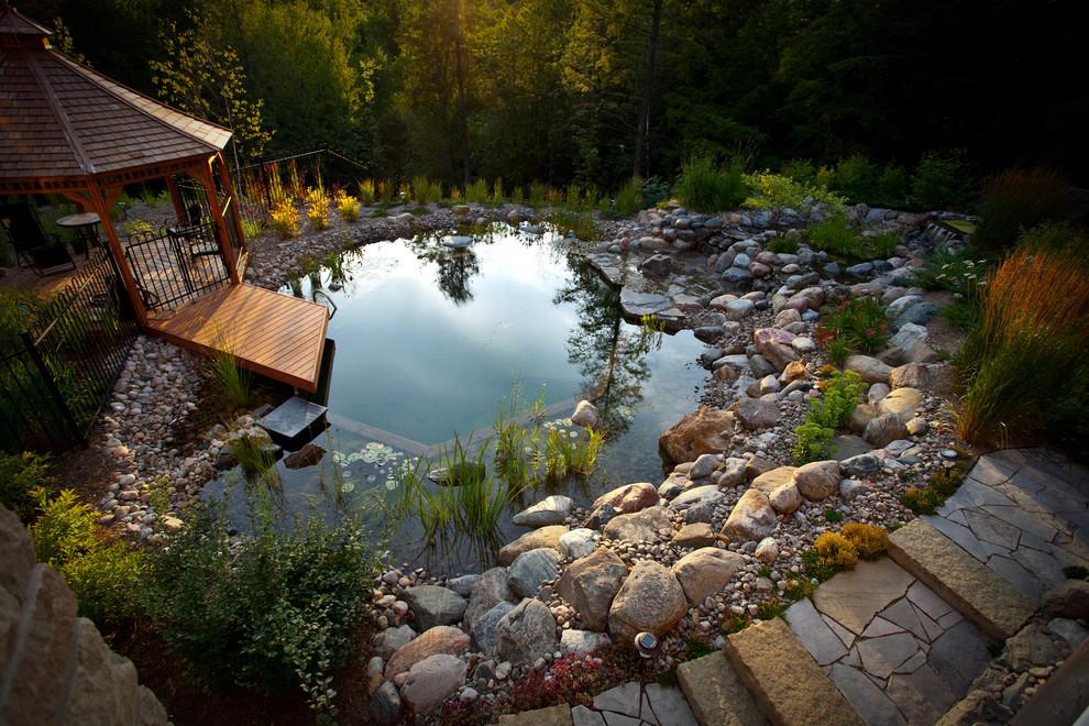 камък гнайс за градинско езеро