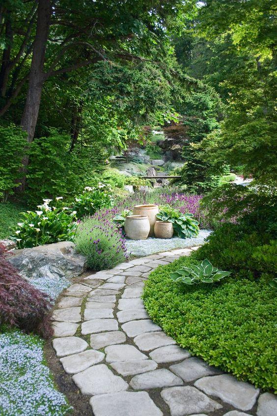 пътека с камъни гнайс