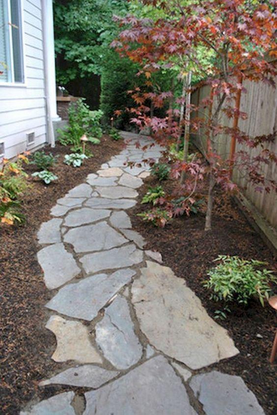 пътека с полигонални гнайсови плочи