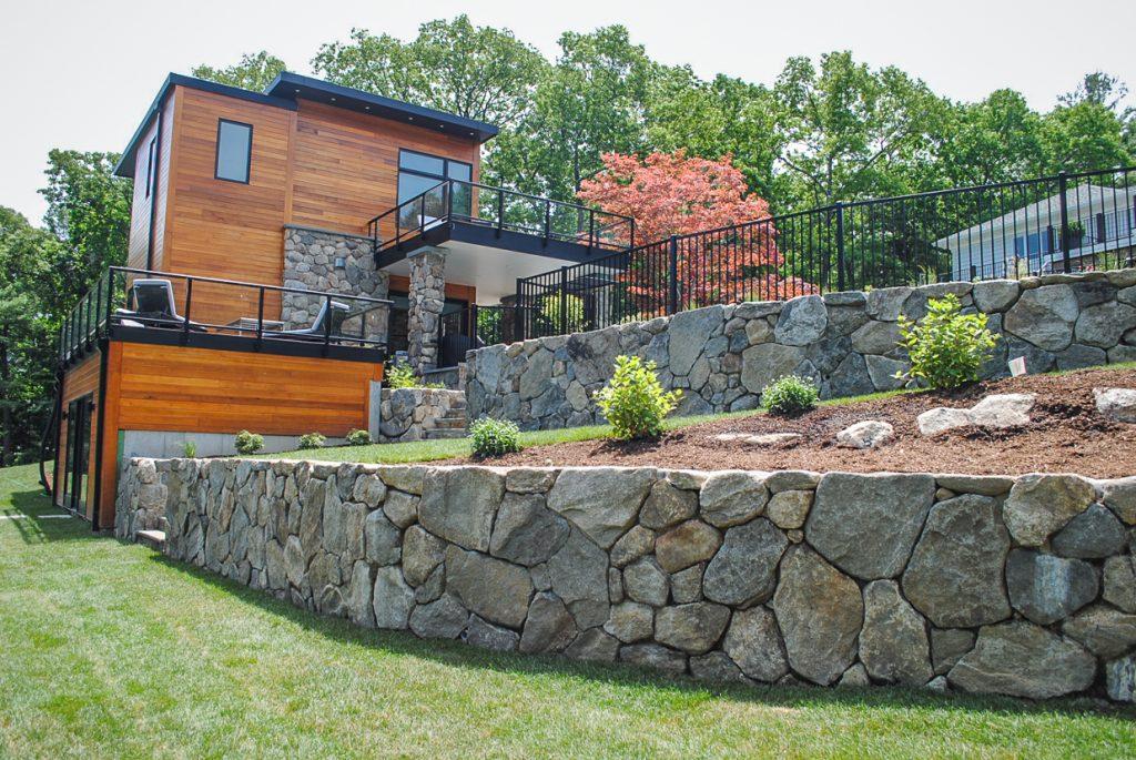 Естествен камък за огради