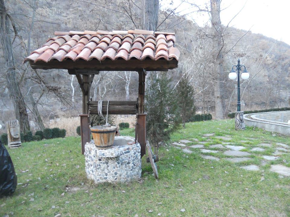 Кладенци от камък гнайс Ивайловград