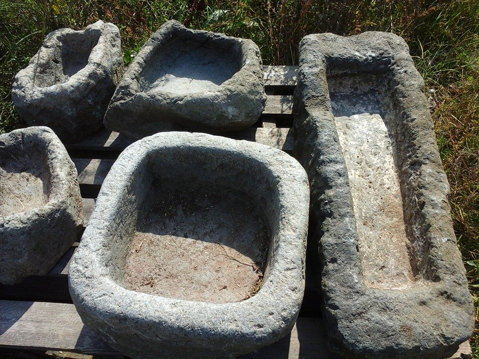 каменни мивки и корита