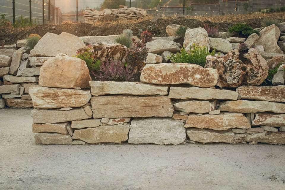декоративни камъни за бордюр