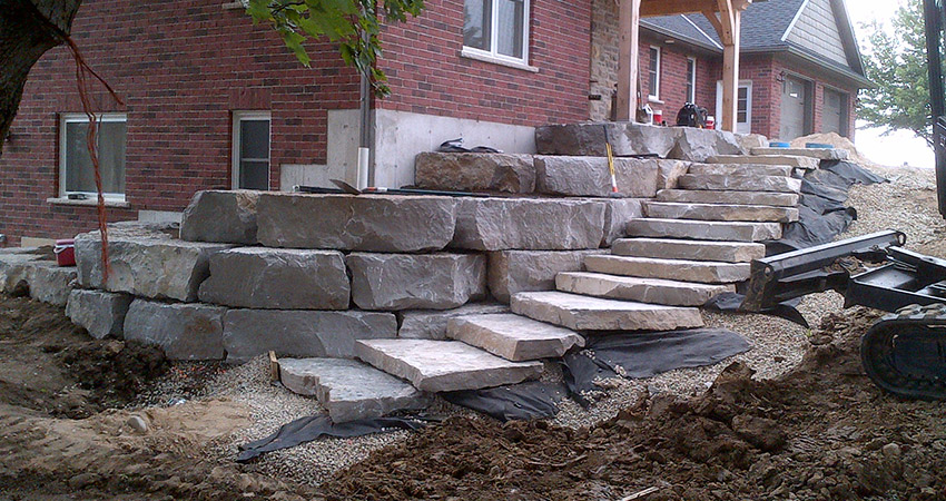 Как да направим стъпала от камък
