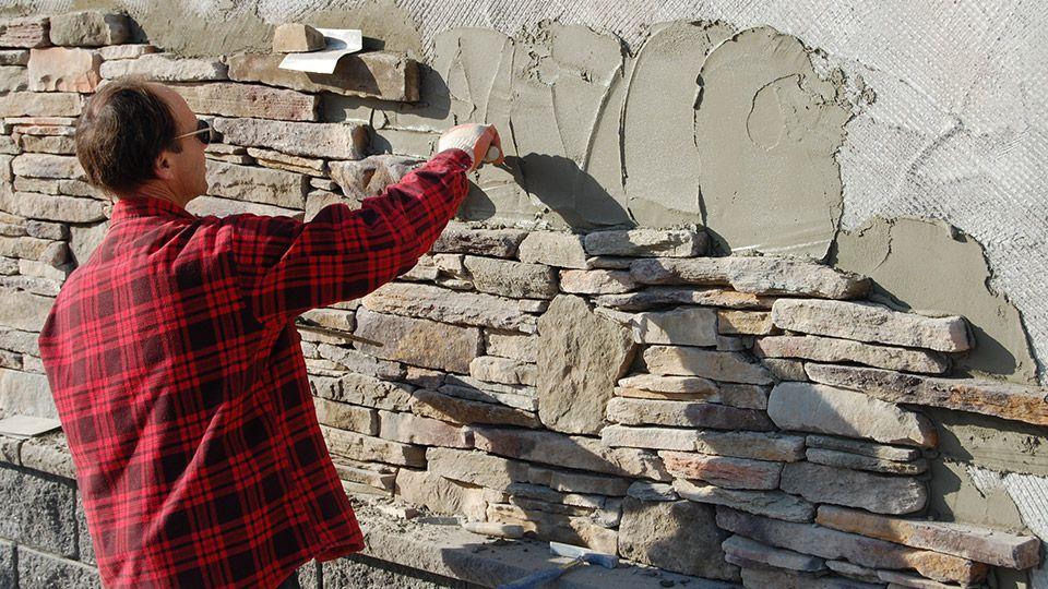 Как се лепи декоративна облицовка на стена с камък